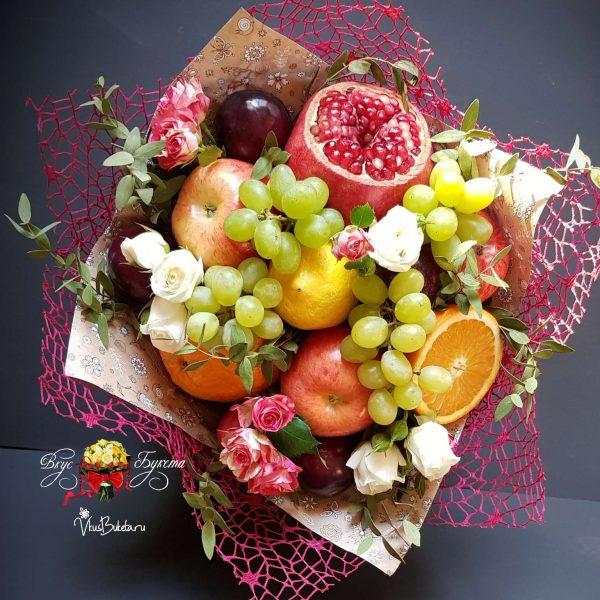 Букет Дары Осени из фруктов и роз