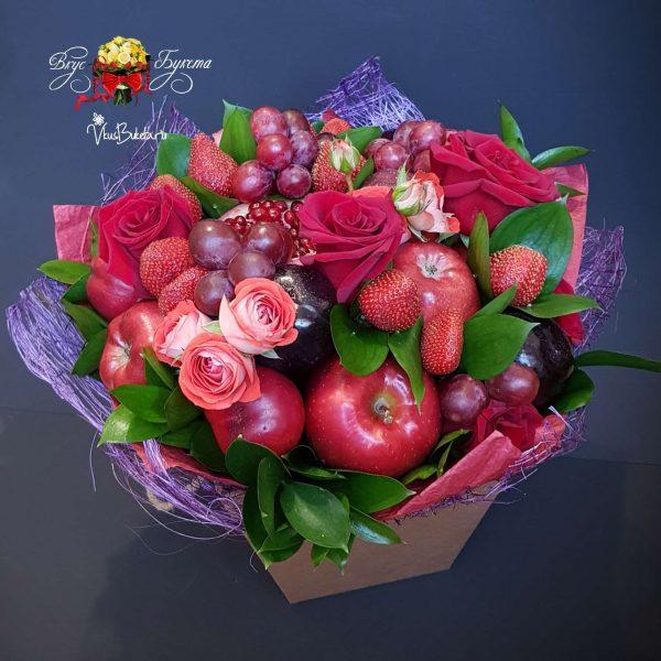 Страсть и нежность: розы и клубника